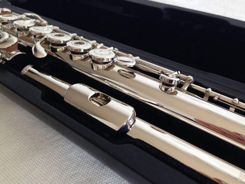 Flauta Y Piccolo Robados En Sevilla